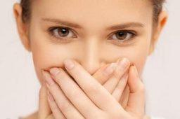 راهکار-طب-سنتی-برای-درمان-بوی-بد-دهان-500×332